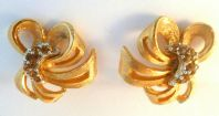 Vintage Amber Rhinestone Bow Clip On Earrings.